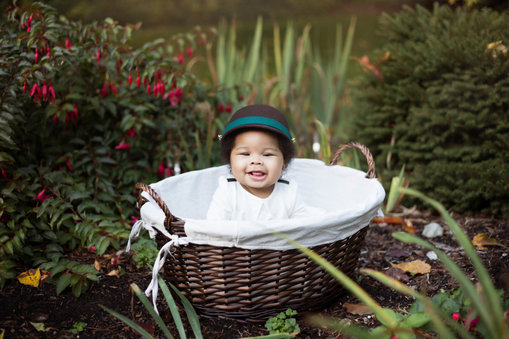 Outdoor Milestone Session | Seattle newborn photographer