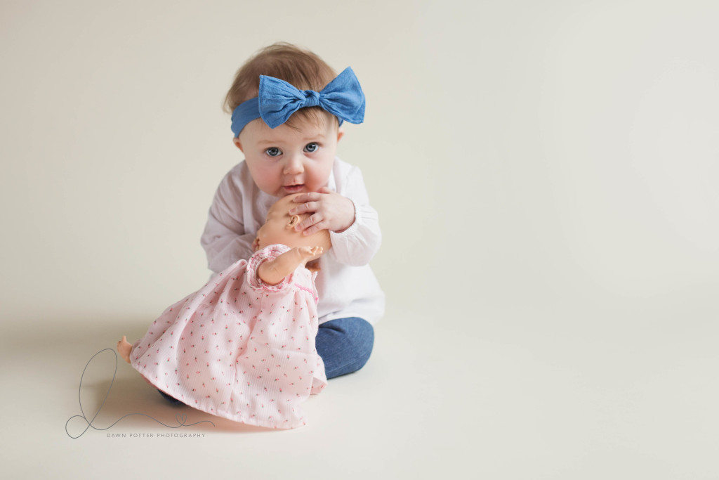 Blue eyes baby girl | Issaquah-Hobart newborn-baby photographer