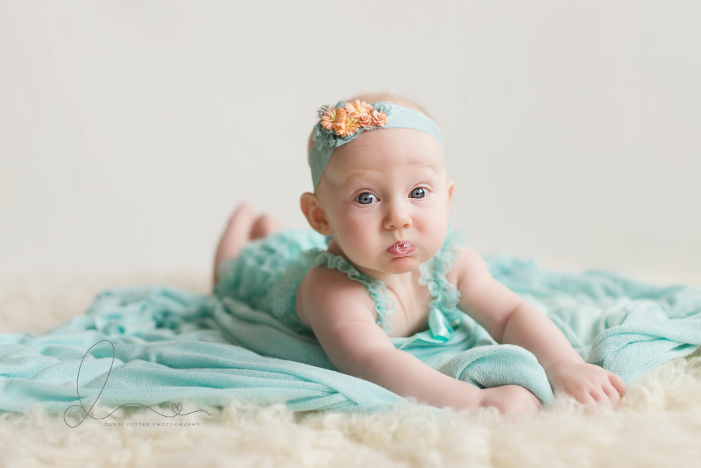 baby girl | 4 months milestone session | maple valley - Seattle baby photographer