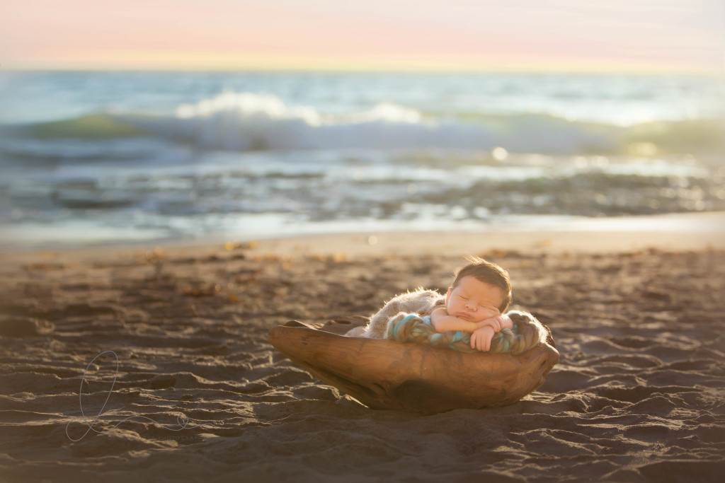 Beach newborn session | Seattle Kirkland newborn-baby photographer
