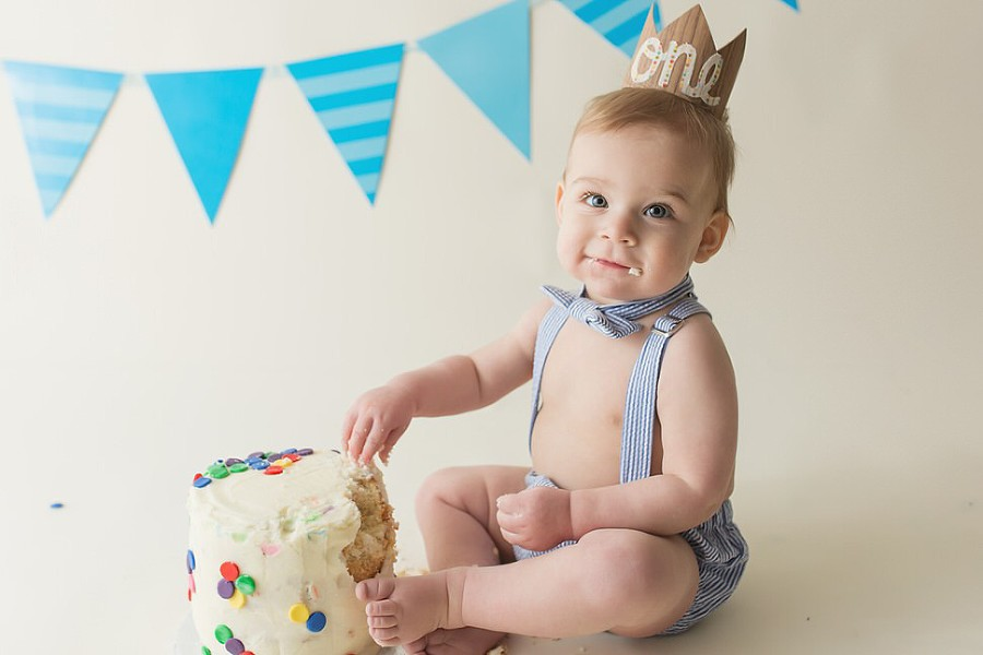 Interested in seattle baby milestone photography portrait session contact dawn potter photography here for more details